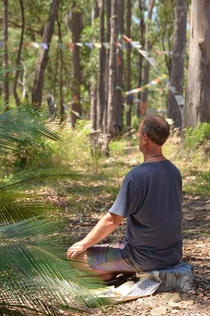 D60_2706_Tom-Fielding-practicing-Semzins-inAustralian-Bush