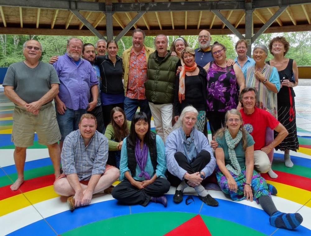 Курс по Танцу Песни Ваджры для начинающих с Кью Кьюно и Кариссой О'келли в Зале Мандалы Кхандролинга, Бакленд, штат Массачусетс. 15-23 августа 2015 года.