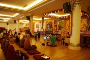 Ринпоче дает учение в Малайзии