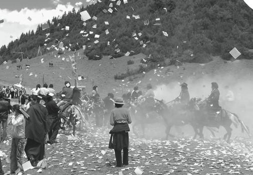 Losar-celebration-with-horses.-photo-L.-Ottaviani-505x350