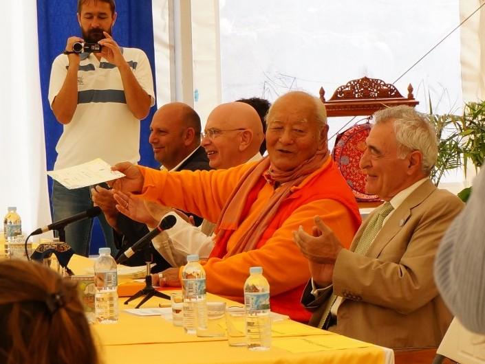 adeje-town-counselor-Shangpa-Master-Denys-Chögyal-Namkhai-Norbu-and-Alkis-Raftis-presenting-certificates-e1460354794861