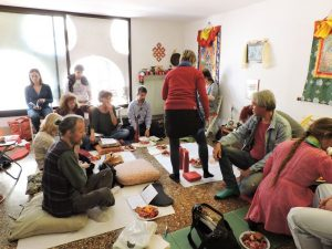 Празднование Весака в Гьямцолинге