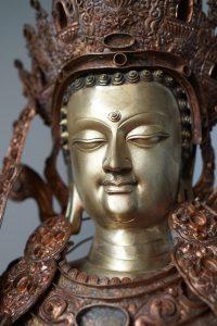 Завершение строительства статуи Джово Шакьямуни