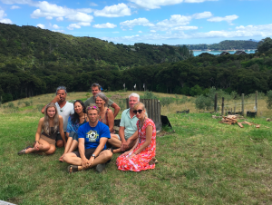 Ретрит по базовому уровню Санти Маха Сангхи на острове Уаихеке, Яндакинг, Новая Зеландия