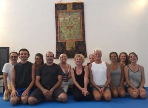 Восемь движений Янтра-йоги в Дзамлинг Гаре