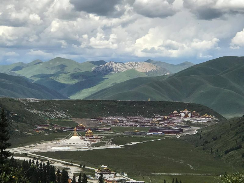Dzogchen-monastery-view-from-above-e1508142420538